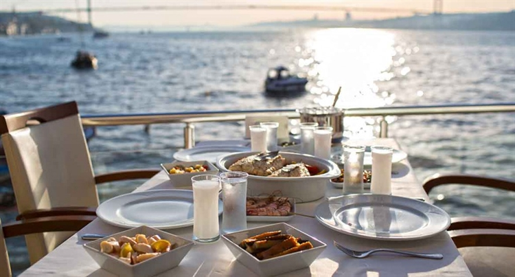 lunch of diner  Ulus 29 istanbul turkije